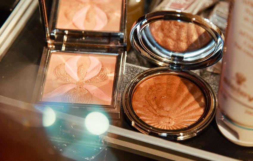 kozmetik1 - العاملون في صناعة المستحضرات التجميلية!