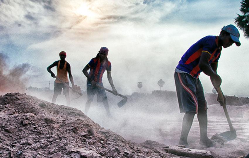 silikozis7 - العاملون في الحجر والصخور والرمال!