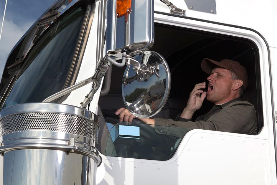 uykusuz kamyoncu - Kamyon ve tır şoförleri için meslek hastalıkları