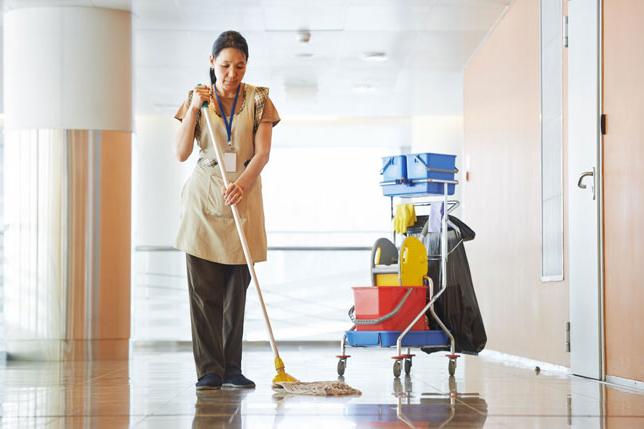 officecleaning 650 - Çalışan kadınların karşılaştığı 'görünmez' riskler*