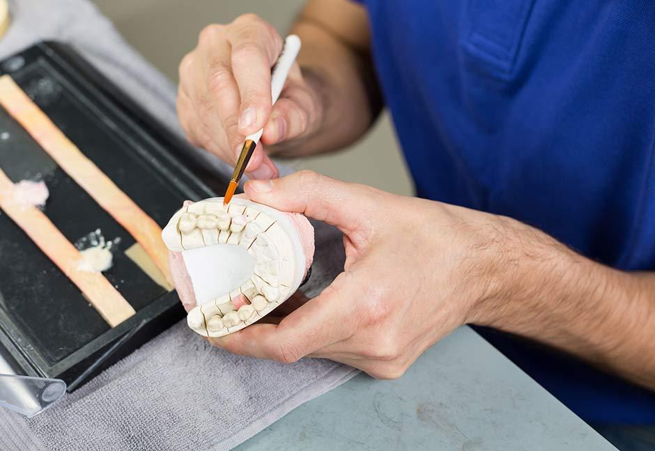 A Dental Technician - Silikozis hastası diş teknisyeni: Yarım bir adam olarak devam ediyorum hayatıma