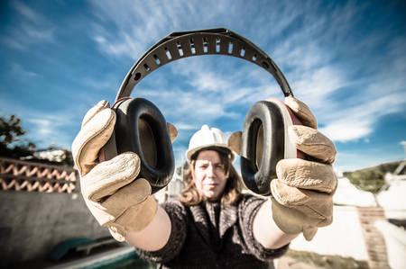 Occupational Noise Monitoring - 3. Havalimanında Çalışan İşçi mesleki İşitme Kaybı Raporu Aldı