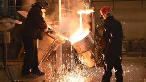 foundry worker 2 300x169 - MESLEKİ GÜRÜLTÜYE MARUZİYET, HİPERTANSİYONA YOL AÇIYOR.