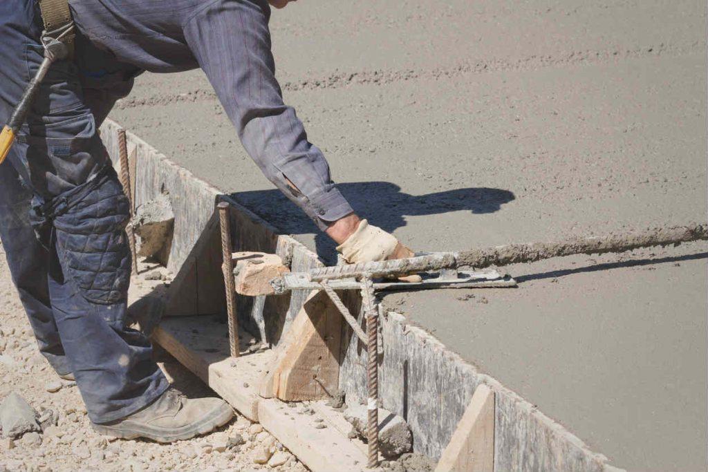 Musculoskeletal Injuries workers comp 1024x683 - Mesleki Maruziyet Kaynaklı Diz Sorunları